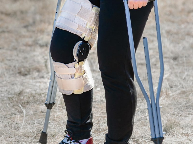 Can You Wear a Knee Brace Over Pants